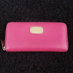 Michael Kors Bags - Michael Kors Continental Wallet